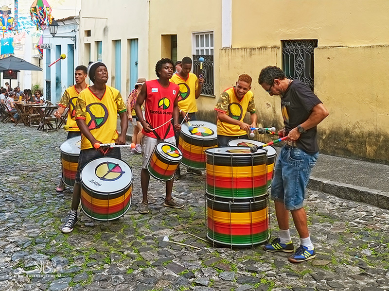 گروه موسیقی کارناوال اُلُدوم در شهر سالوادور