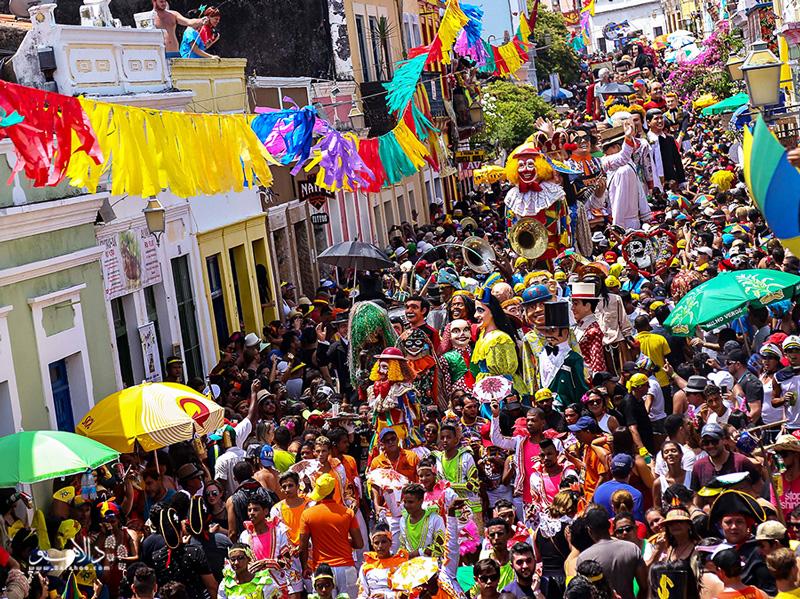 کارناوال رسیفی و اُلیندا شلوغترین جشنهای خیابانی برزیل است.