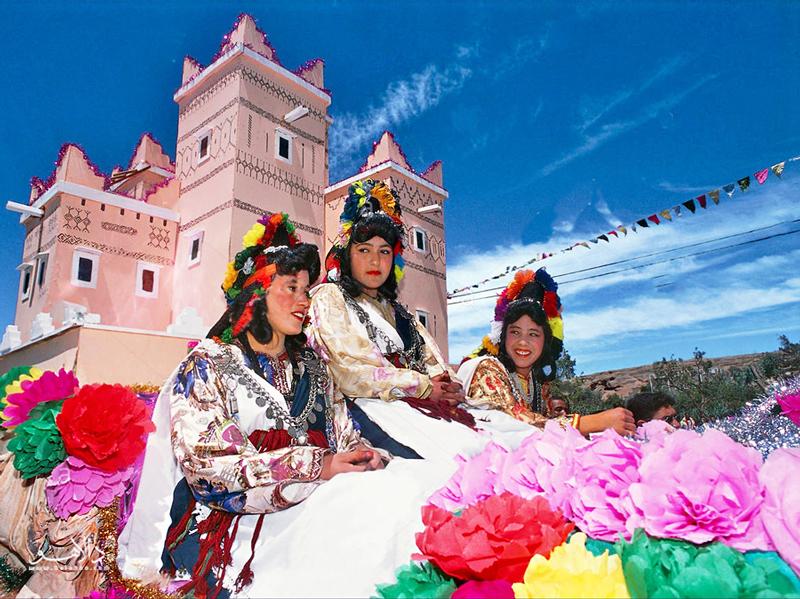 جشن برداشت گلهای سرخ در فستیوال کِلا مگونا