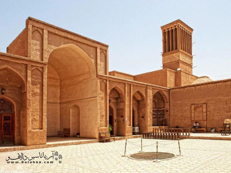 مدرسه ضیائیه به زندان اسکندر هم معروف است.