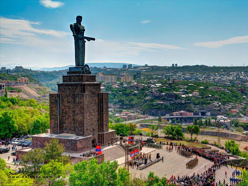 مجسمه مادر ارمنستان(مایرهایاستان).