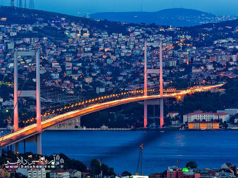 پل بوغاز یکی از چشماندازهای زیبا در استانبول است.