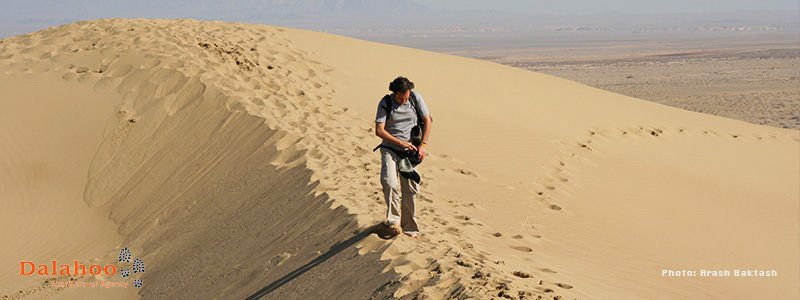 Varzaneh is considered to be one of the most spectacular deserts in Iran