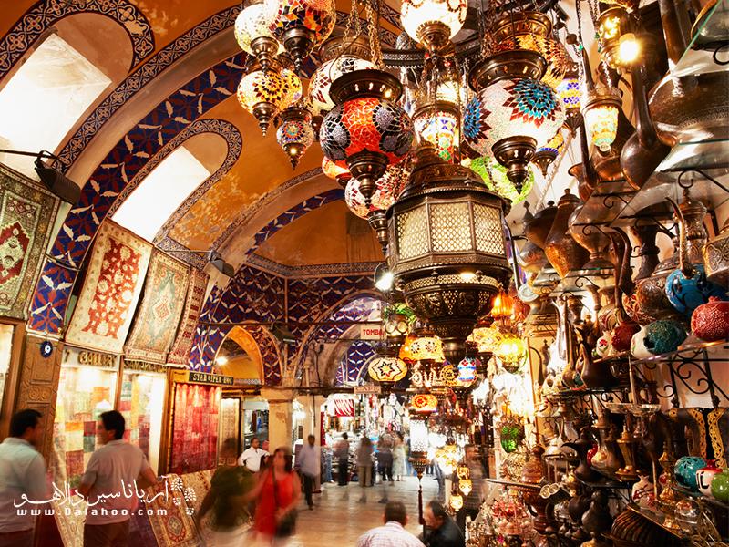 حال و هوای سنتی بازارها در ترکیه.