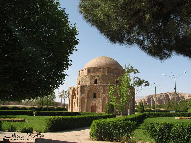 یکی از جاذبههای مربوط به دوران قبل از اسلام در کرمان گنبد جبلیه است.