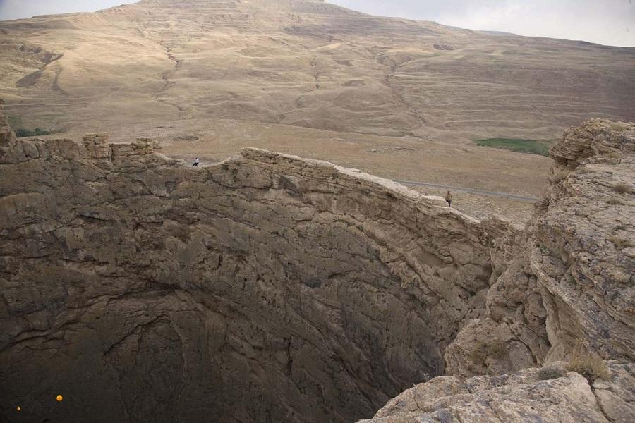 برخی این کوه آتشفشانی را زندان دیوهای سلیمان نبی میدانند