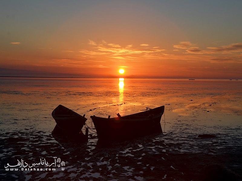 جزیره آشوراده به عنوان یک جاذبه گردشگری مهم در شمال ایران شناخته میشود.