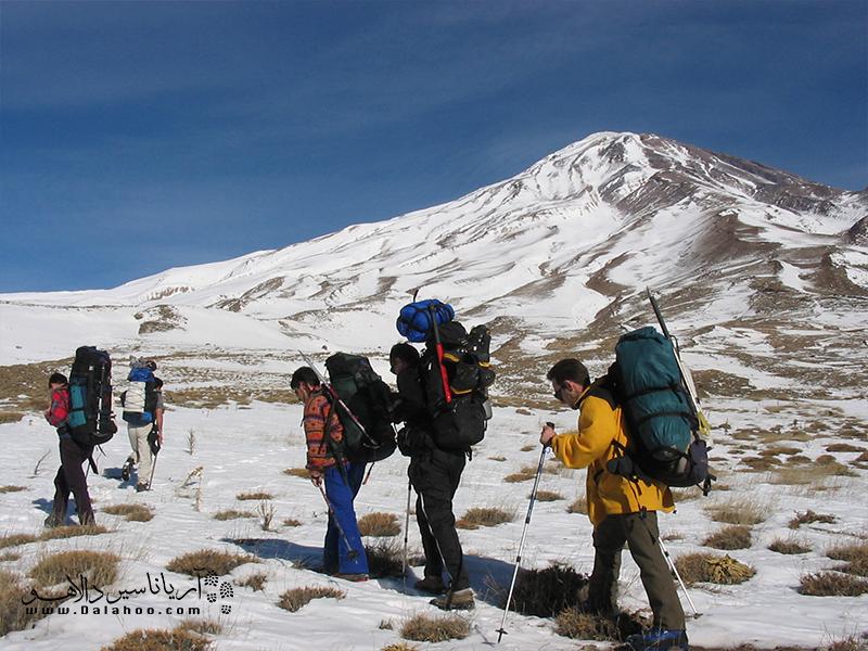 کوهستانها حدود 22 درصد سطح کره زمین را فراگرفتهاند و خانه 13 درصد از جمعیت جهان هستند.