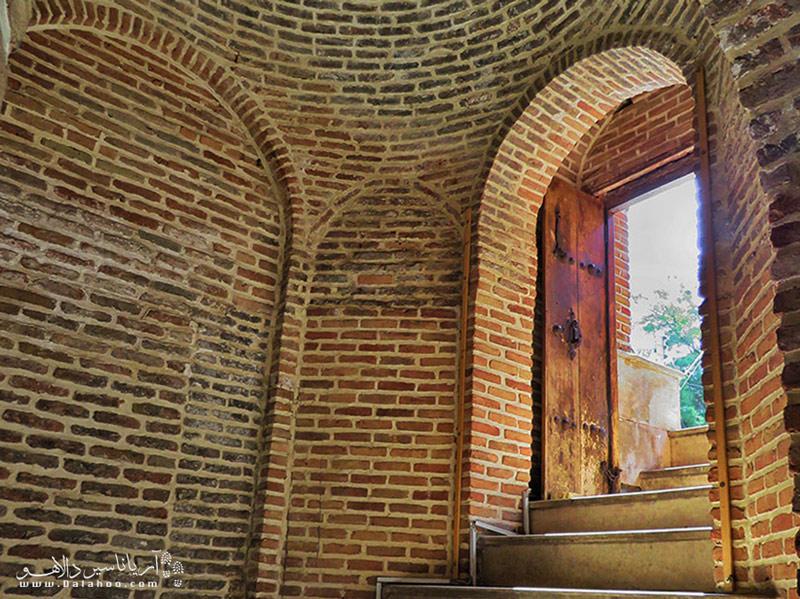 یکی از زیباترین حمامهای قدیمی ساختهشده در ایران حمام قجر است.