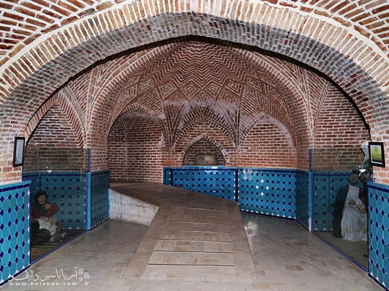 حمام قجر برخلاف نامش مربوط به دوره قاجار نیست و از بناهای دوره صفوی است.