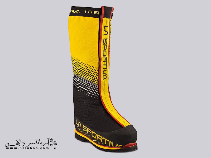 پوش اول این کفشها یک گتر بلند است که بر روی کفش قرار میگیرد و به دور کفش دوخته شده.