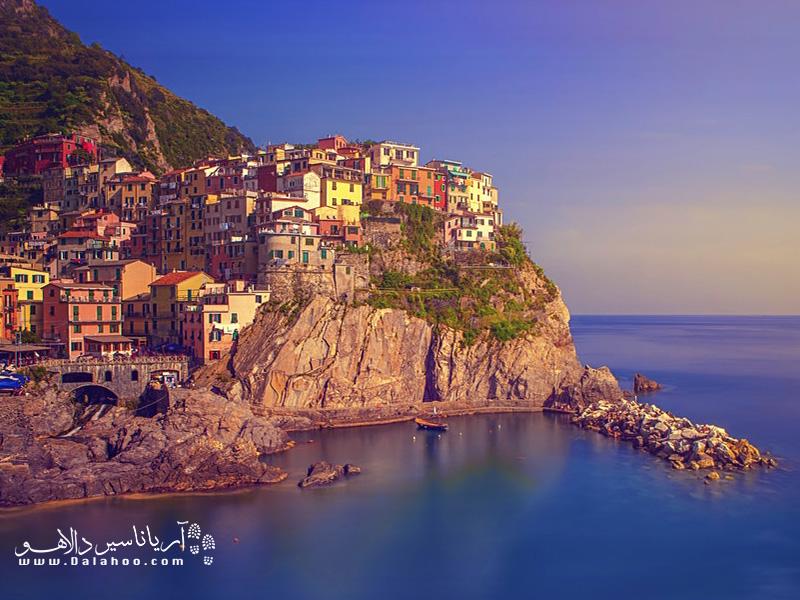 شهر مانارولا ایتالیا با خانههای رنگیاش، یکی از رویایی ترین شهرهای جهان است.