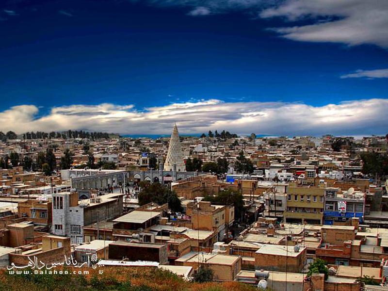 در جنوب غربی ایران و در حاشیه کوهستان زاگرس یکی از میراث ثبت جهانی یونسکو جای گرفته است؛ شهر شوش.
