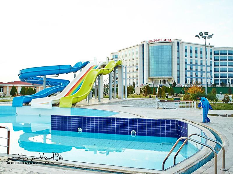 هتل دوزدوغ با ارائه خدمات درمانی آب درمانی و فیزوتراپی در میان گردشگران بسیار طرفدار دارد.