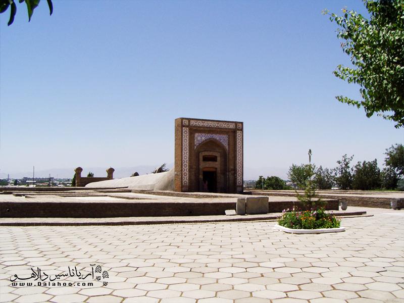 رصدخانه الغبیگ، در شهر سمرقند به دست الغبیگ امیر تیموری ساخته شد.