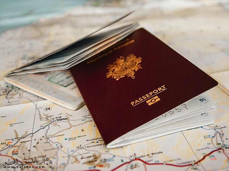 یکی از مهمترین وسایلی که باید در هر نوع سفر، به هر منطقهای همراهتان باشد، مدارک شخصیتان است.