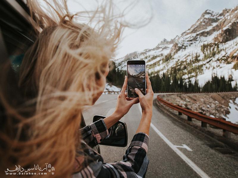 منظر دیدنی سفر را تنها از دریچه دوربین خود نبینید.