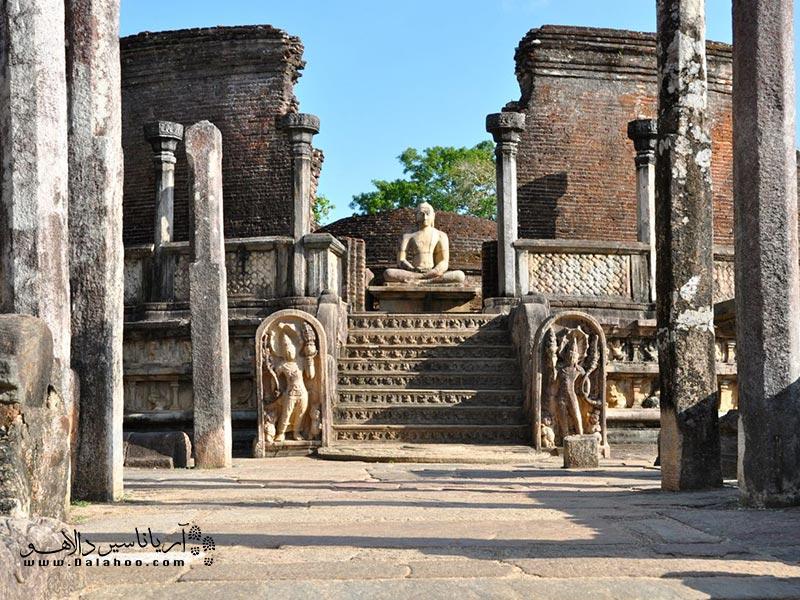 برای تماشای جاذبههای بسیار زیاد و در عین حال زیبای سریلانکا حتما برنامهریزی کنید. هر کدام برای خودش دنیایی دارد.