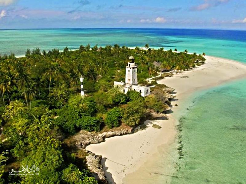 به جزیره فُنجو بروید و به سبک رابینسون کروزوئه فرهنگ ساحلی، آرامش و غواصی را تجربه کنید.