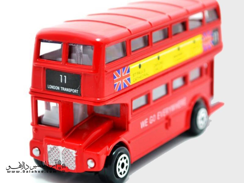 وقتی در لندن هستید، یادتان نرود که مدل کوچکی از این اتوبوسهای دوطبقه را به یادگار بگیرید.