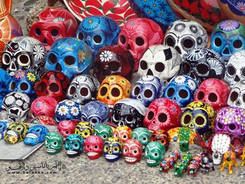 این اشیاء که یکی از محبوبترین سوغاتیهای کشور مکزیک هستند یادآور روز مردگانند.
