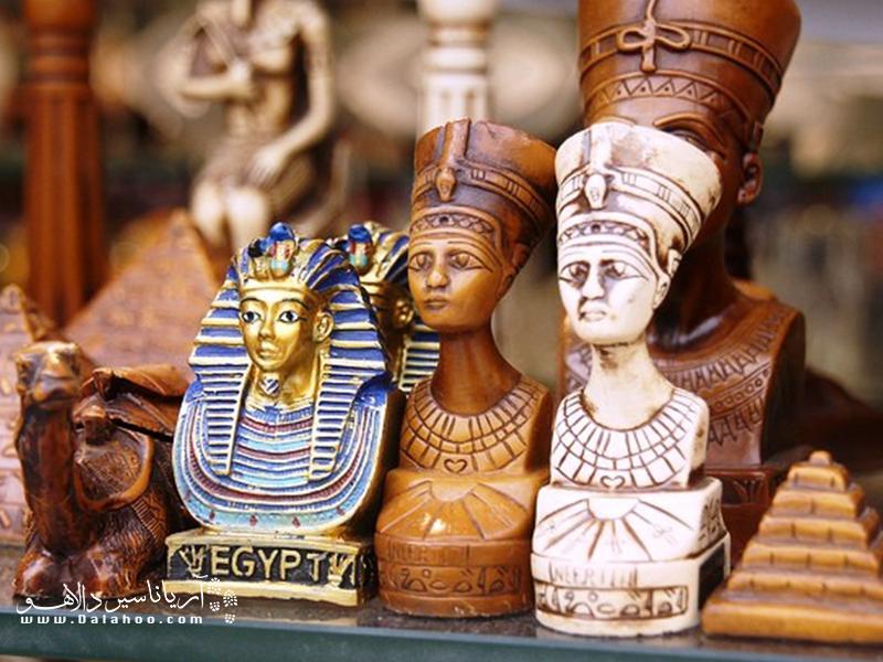 شما نمیتوانید مصر را بدون مجسمه یکی از اینها ترک کنید.