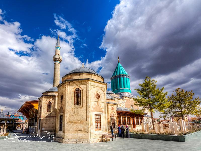 آرامگاه مولانا در قونیه.