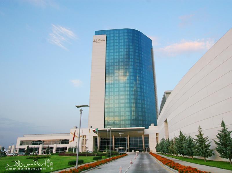 هتل ریکسوس ترکیه، یکی از مجللترین هتلهای قونیه است.