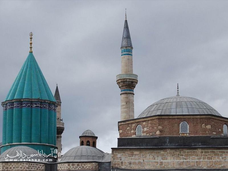 مکانی که امروزه به عنوان موزه مولانا نامیده میشود، در واقع محل زندگی و تدریس مولانا بوده.
