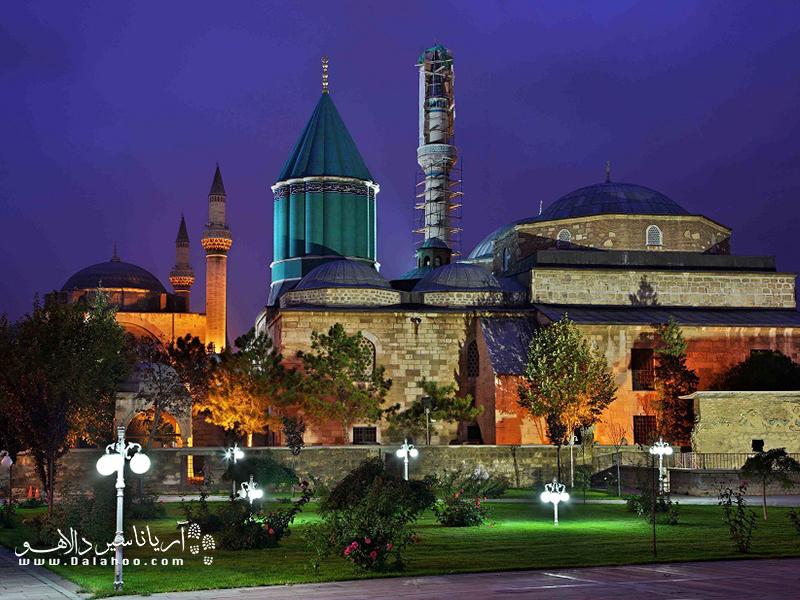 آرامگاه وموزه مولانا از جمله جاذبههای مشهور دنیا به شمار میرود.