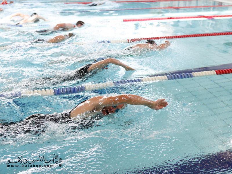 مایوهای مردانه مناسب شنا.
