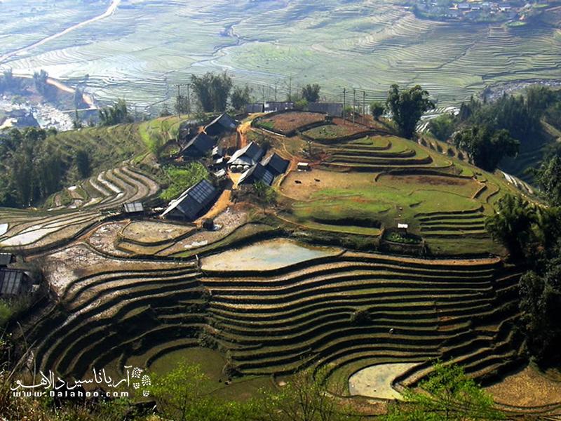 دره موانگ هوا در ناحیهای کوهستانی در امتداد پارک ملی Hoàng Liên قرار دارد.