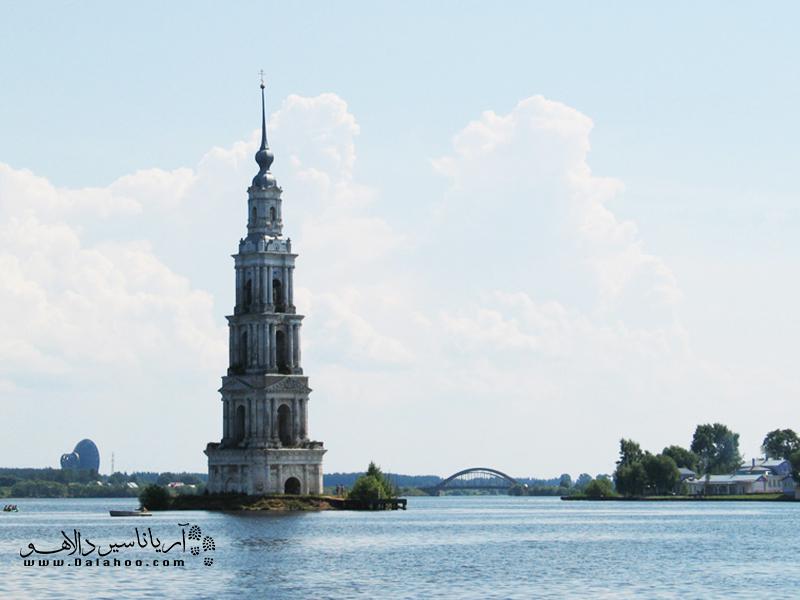 ژوزف استالین در سال 1939 برای ساخت اوگلیچ دستور داد شهر قدیمی کالیازین را غرق کنند.