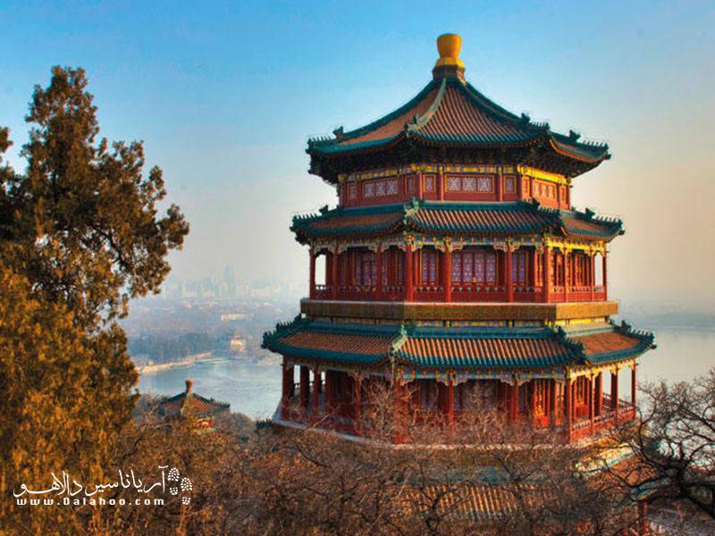 کاخ تابستانی، از کلاسیکترین و برجستهترین باغهای دنیا و اصلیترین نمونه از باغ سبک چینی است.
