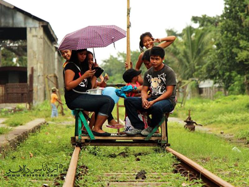 در فیلیپین از این صفحهها به روی ریل استفاده میشود.