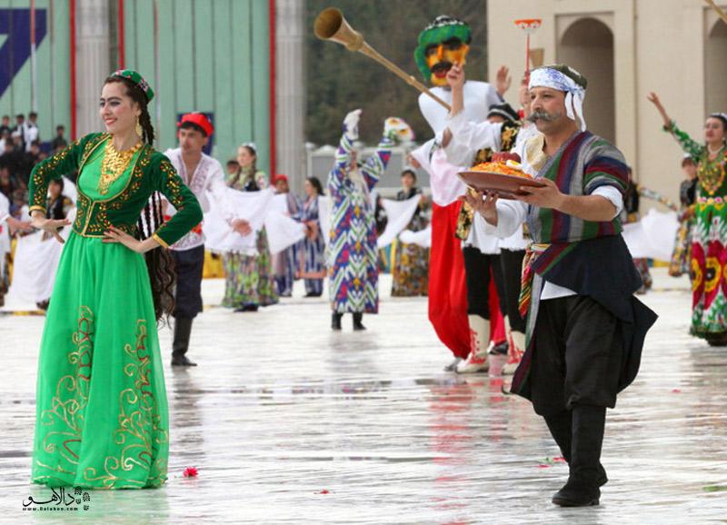 برگزاری مراسم نوروزگاه در دوشنبه نشاندهنده آداب و رسوم پارسی در جای جای تاجیکستان است.