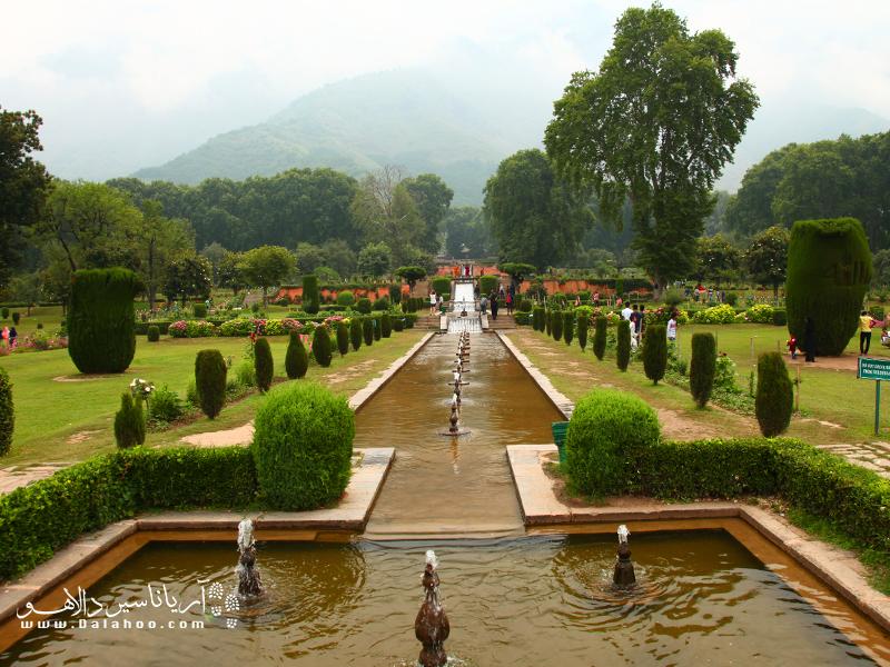 باغهای کشمیر پل ارتباط زیبای انسان با طبیعت.