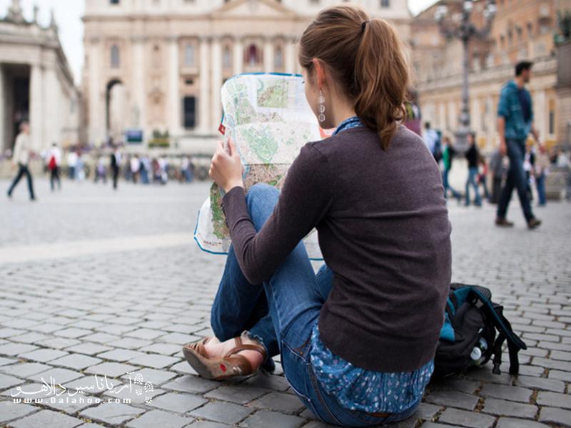 از تنهاییمان در سفر لذت ببریم.