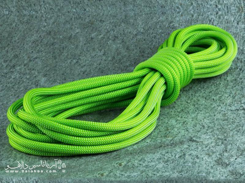 طناب یکی از وسایل موردنیاز برای کوهنوردی و طبیعتگردی است.