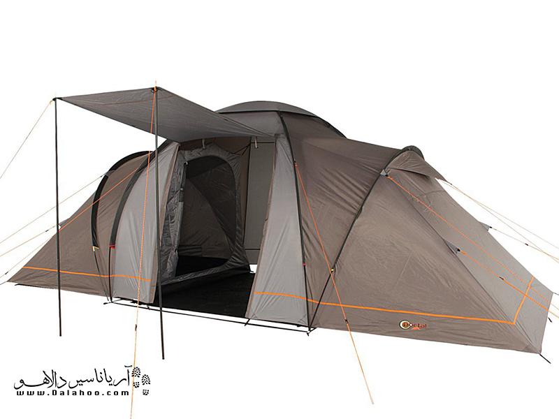 در این نوع چادر مسافرتی معمولا دو فضای مخصوص استراحت و خواب در دو طرف محوطه وسط یا نشینمن قرار دارد.