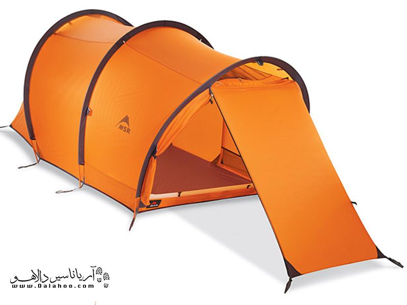 چادرهای مسافرتی حلقهای و تونلی بسیار به هم شبیه هستند در این چادرها معمولاً یک یا چند تیرک به صورت حلقهای در عرض چادر عبور میکند.