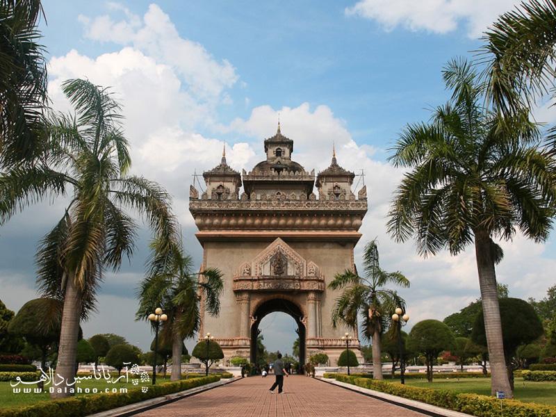 وینتیان که پایتخت لائوس است در عین شهر بودن، به یک روستای بزرگ شبیه است.