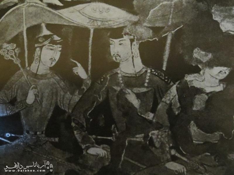 در میان آثار هنری کشف شده در تاجیکستان و شهر پنجکنت نقاشی در جای اول است.