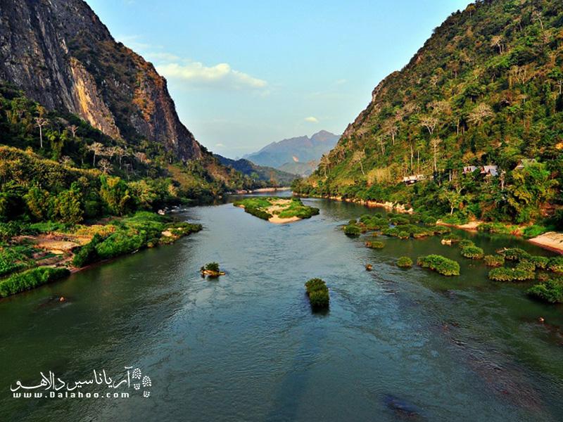 مِکونگ یکی از رودخانههای بزرگ جهان است که در جنوب شرق آسیا قرار دارد.