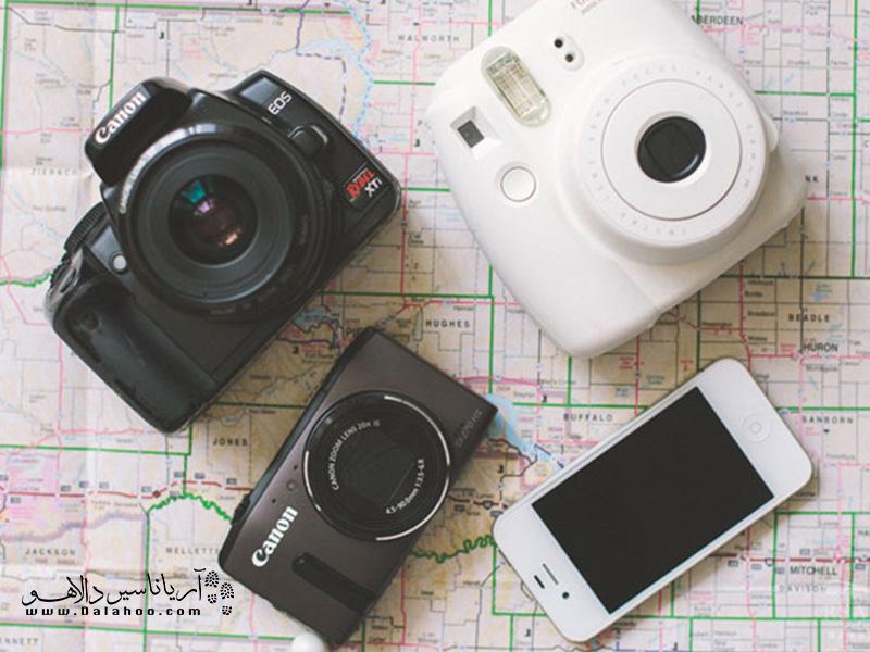 گر حرفهای عکاسی نمیکنید مجبور به تهیه دوربین با وزنهای خیلی زیاد نیستید.
