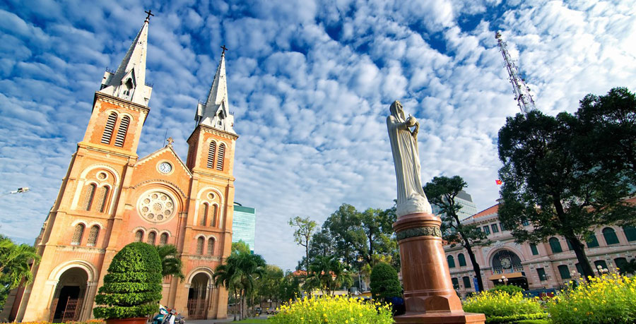 کلیسای نوتردام Saigon Notre-Dame Basilica