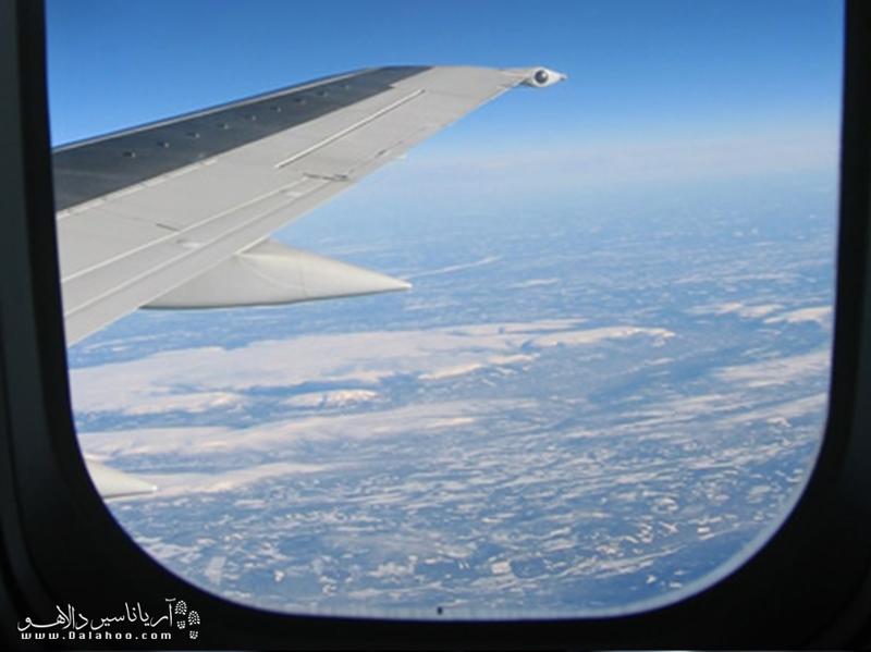 صندلی نزدیک بال هواپیما امنتر است.