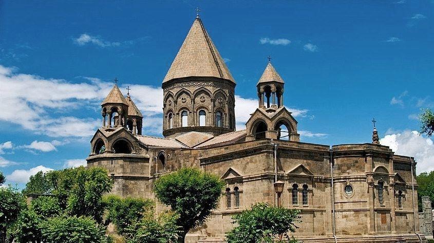 Image result for کلیسای جامع اچمیادزین