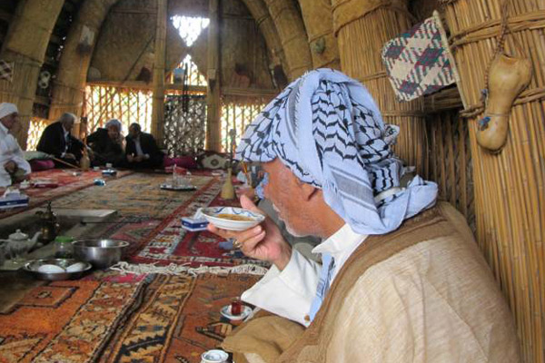 آداب قهوهخوری در مضیف