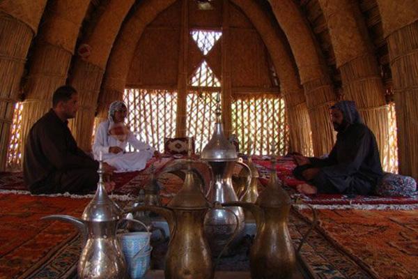 مراسم قهوهخوری در مضیف
